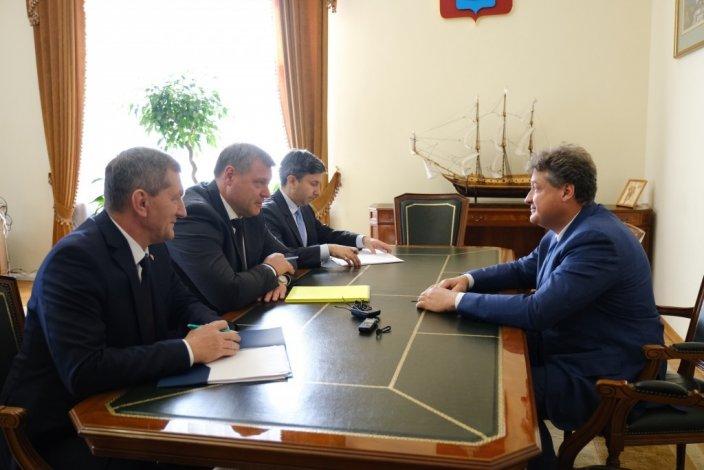 Губернатор обсудил с гендиректором «Автоклавмедсервиса» возможность поставок в регион медоборудования