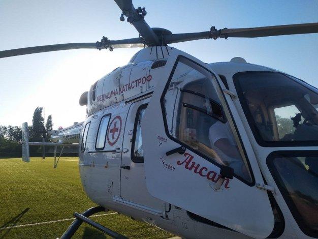 Санитарная авиация продолжает спасать астраханцев