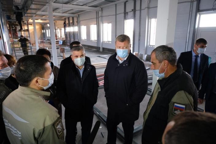Губернатор проинспектировал ход строительства ковидного госпиталя