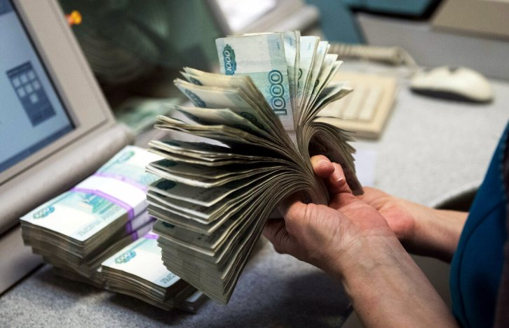 За уклонение от налогов в крупном размере астраханский бизнесмен получил штраф