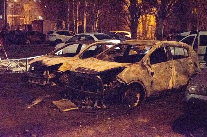 В Астрахани сожгли машину депутата