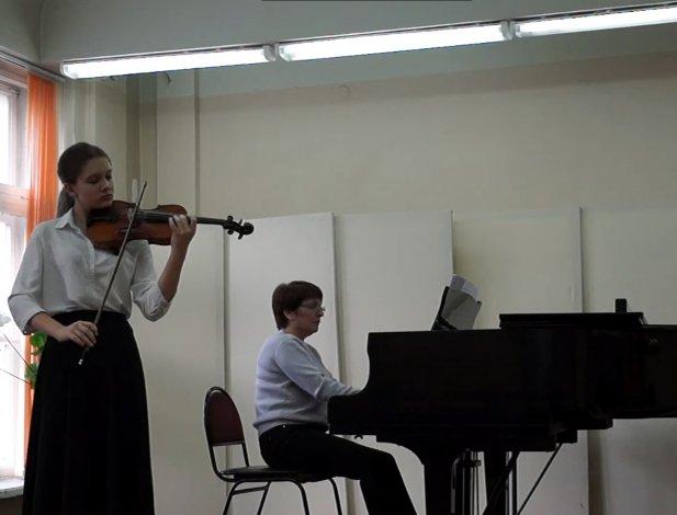 Юная астраханская скрипачка очаровала москвичей