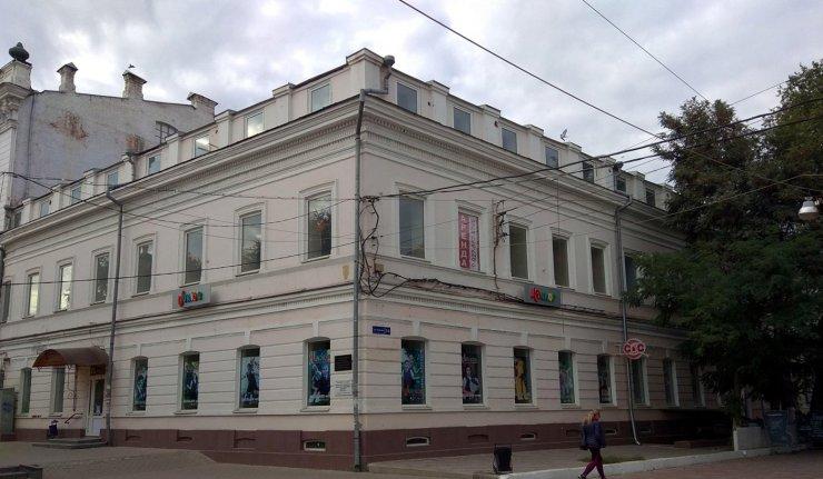 В Астрахани выставлен на продажу торговый центр