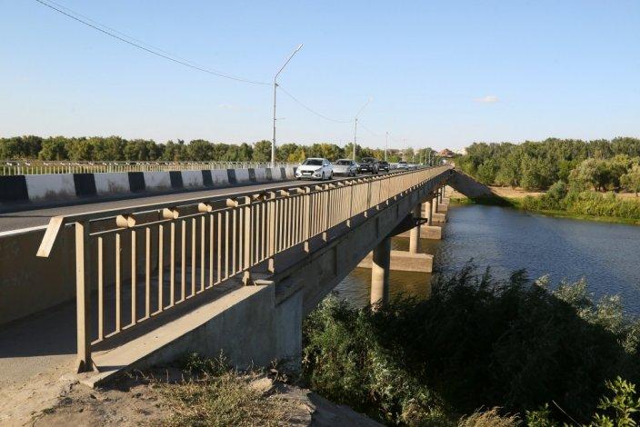 В Ахтубинске по поручению Путина ремонтируют мост