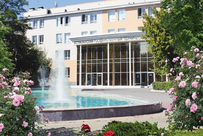 В АГТУ готов к открытию фонтан в форме Каспийского моря