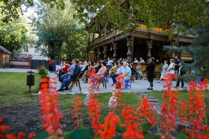 В Астрахани отметили юбилей Дома купца Тетюшинова