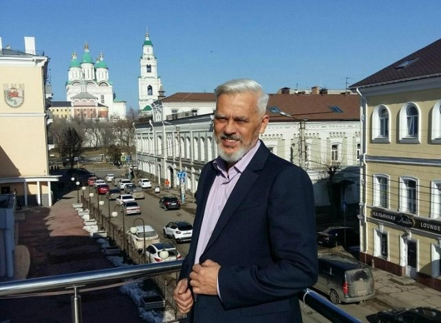 Скончался завпост астраханского ТЮЗа Илья Казанов