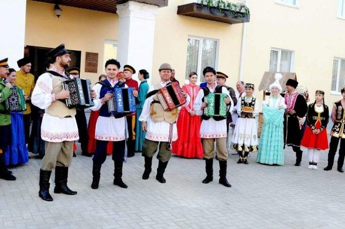 Астраханцев приглашают на этновечеринки