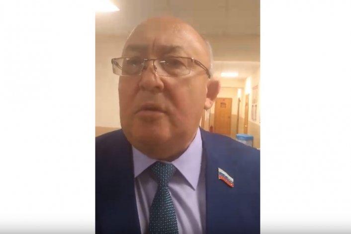 Экс-мэр поскандалил с депутатом в астраханском минздраве