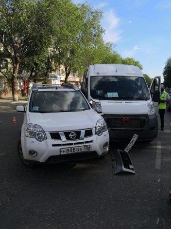 В Астрахани в ДТП пострадала пассажирка маршрутки