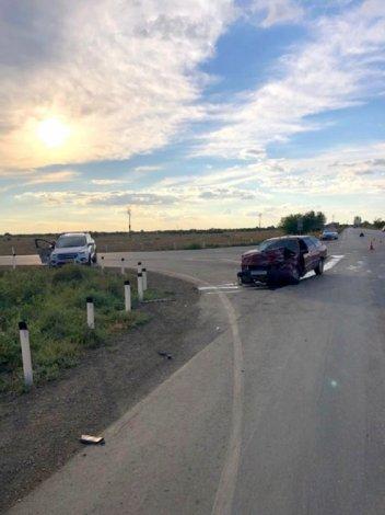 В ДТП под Астраханью пострадали двое