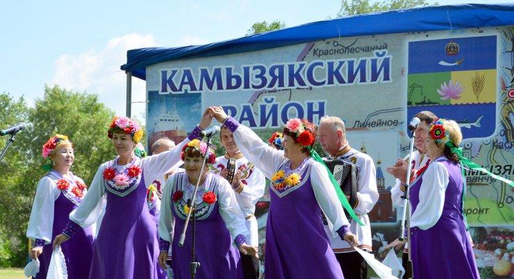 В администрации Камызякского района вскрыто кумовство