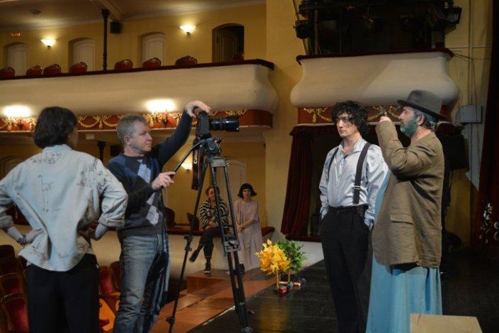 Горячий декабрь премьер в Астраханском драмтеатре