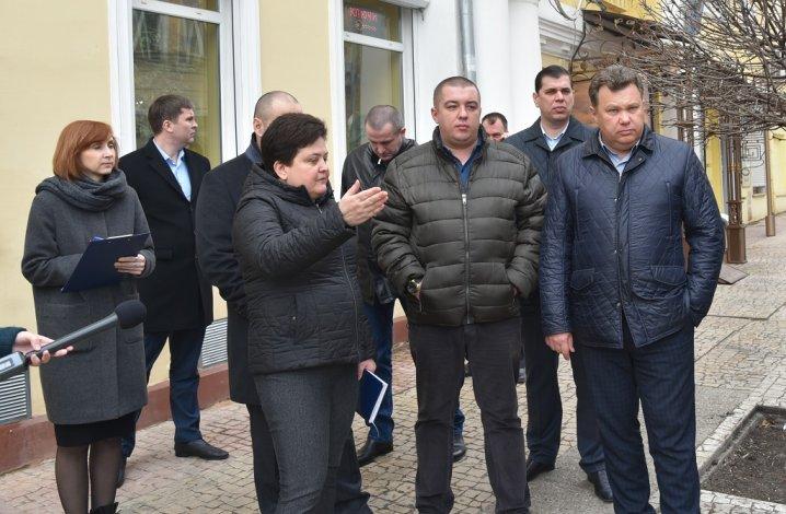 И.о. главы администрации Астрахани провела первое совещание на улице