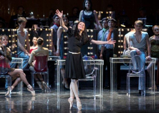 Астраханский балет встречает профессиональный праздник с надеждой