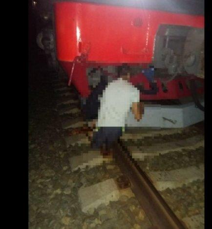 Ночной поезд сбил астраханца насмерть