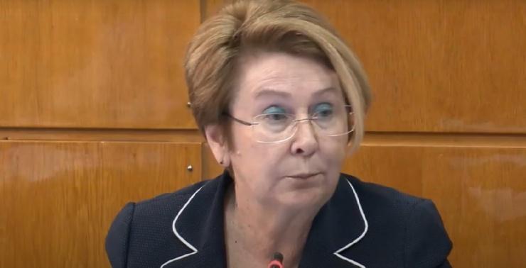 Астраханский губернатор наградил соратницу Гужвина