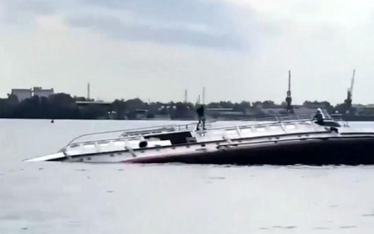 На Волге затонул речной теплоход