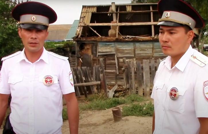 Полицейские спасли пожилых супругов в Астраханской области