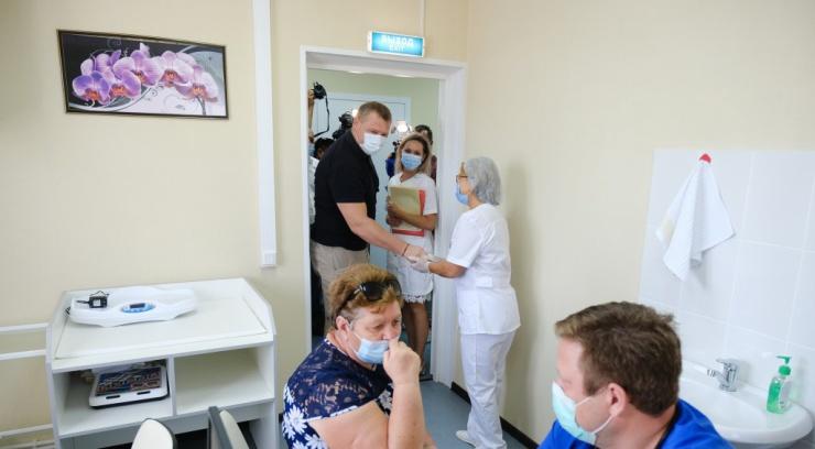 Астраханский губернатор посетил Енотаевский и Черноярский районы