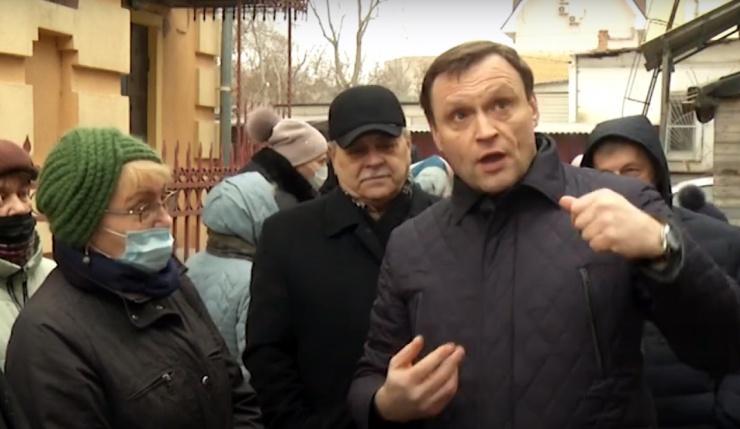 Замглавы комитета ГД по жилищной политике и ЖКХ проверил ситуацию с аварийным жильем в Астрахани