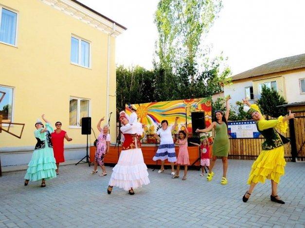 Астраханцев ждёт очередная этнодискотека