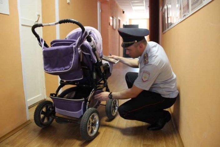 Чета астраханцев стащила водку из магазина в детской коляске
