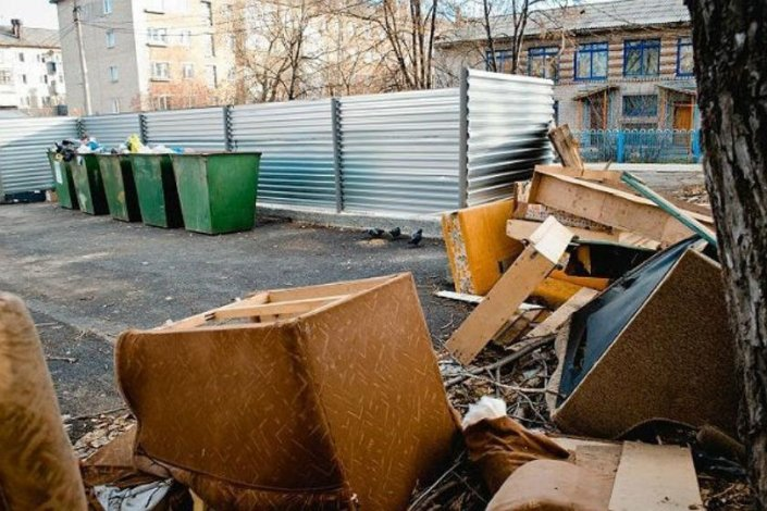 Какой мусор обязан убирать «ЭкоЦентр»: по порядку и без фантазий