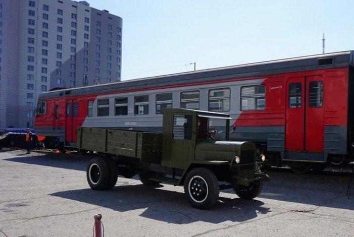 Астраханские железнодорожники отреставрировали грузовик времён войны
