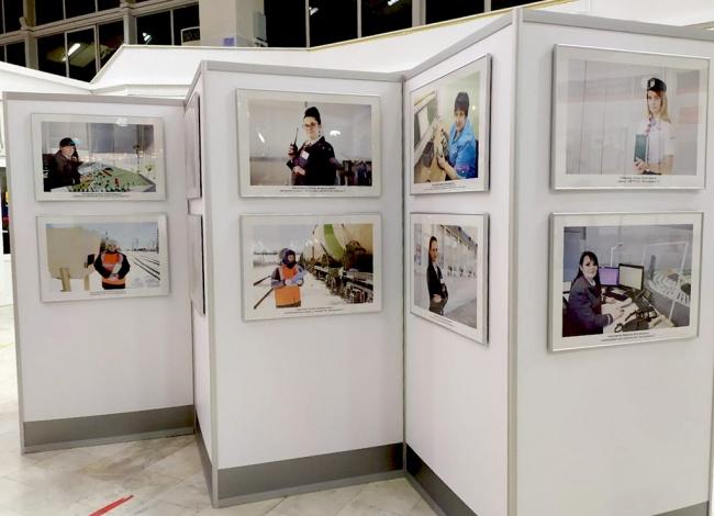 На вокзале в Астрахани открылась фотовыставка «Железные леди»