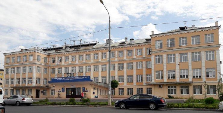 Астраханский вуз закрыл приём посетителей
