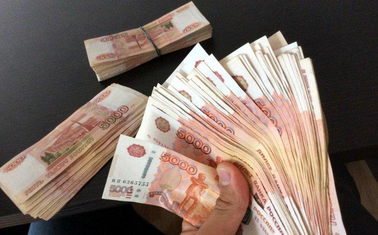 Депутата гордумы Астрахани обвинили в невыплате крупного долга