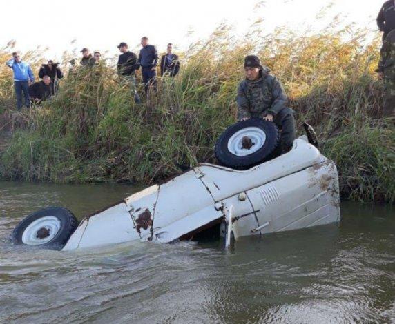 Под Астраханью утонул мужчина вместе с автомобилем