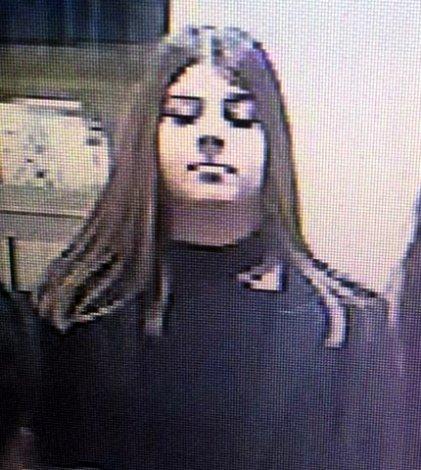 Полиция просит астраханцев опознать молодую воровку по фото