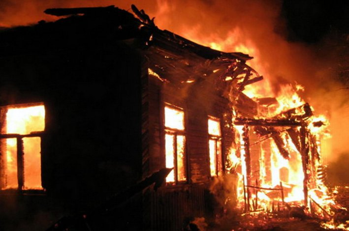 Астраханец спас престарелую мать из огня и погиб