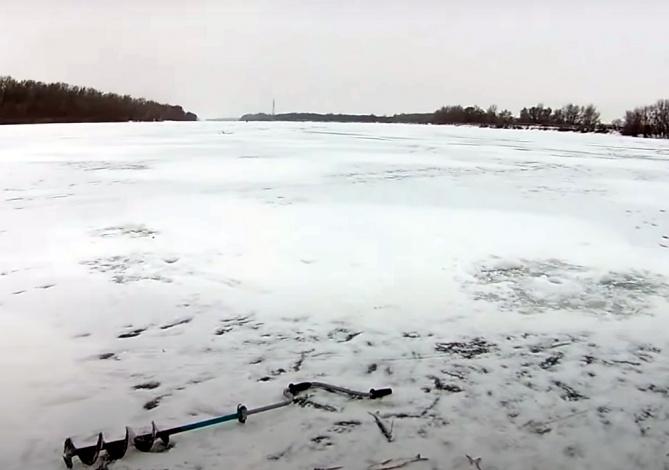 Под Астраханью исчезли два рыбака