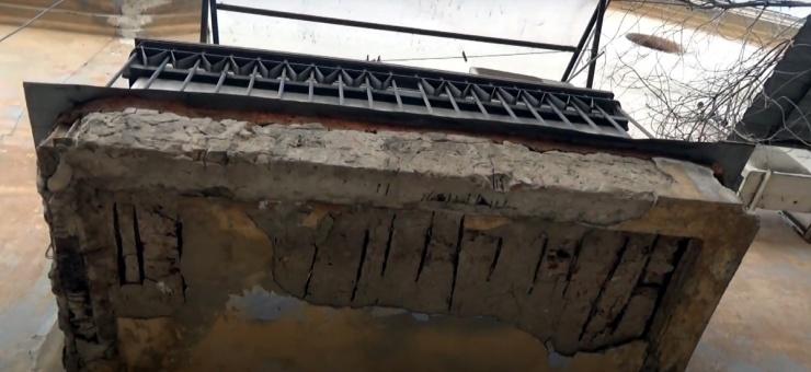 Астраханцы жалуются на представляющие угрозу детям балконы и карнизы