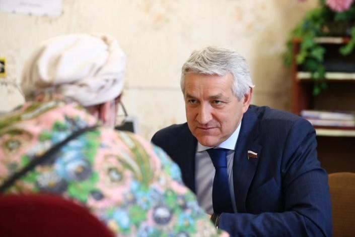 Леонид Огуль завершил визит в Ахтубинский район с пользой для граждан и здравоохранения