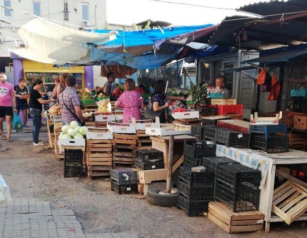 Астраханский рынок «Юбилейный» работает вопреки карантину