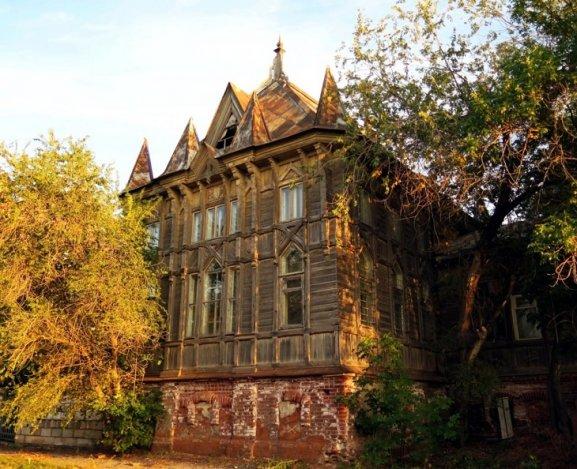 Готический особняк в центре Астрахани отреставрируют