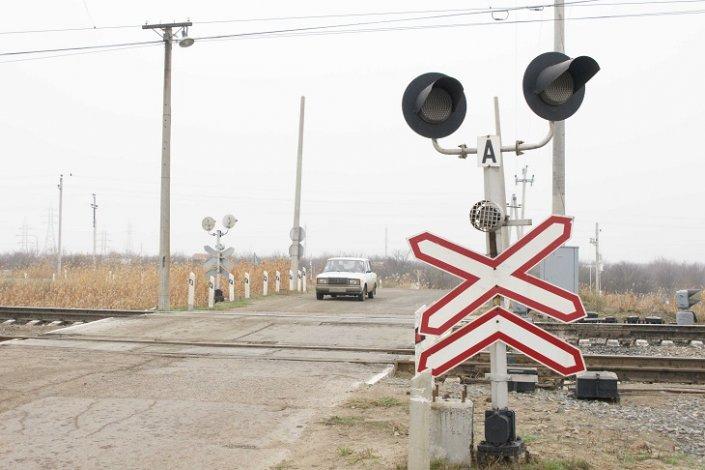 Железнодорожный переезд в Харабалинском районе временно закроют