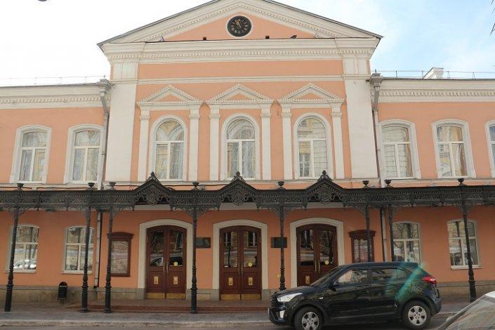 Астраханский драматический театр досрочно закрыл 210-й юбилейный сезон