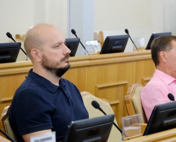 Спикер Думы Астраханской области прокомментировал земельные отношения в регионе