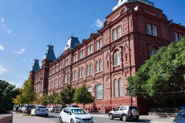 Астраханский губернатор наградил Шеину