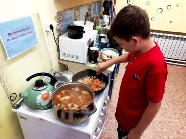 Для астраханских сирот работает социальная гостиница