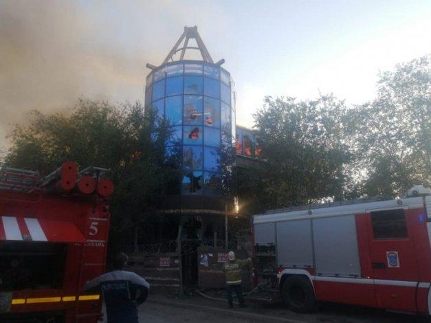 В Правобережье Астрахани случился масштабный пожар