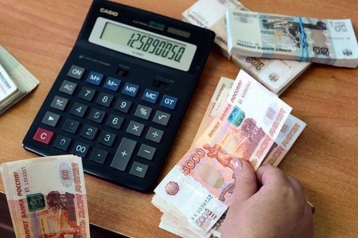 В Астрахани директор задолжала сотруднице полмиллиона
