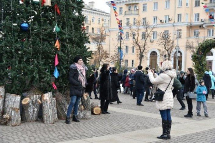 Через неделю засияет главная ёлка Астрахани
