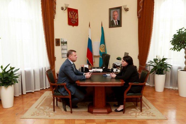 Первая встреча. Игорь Бабушкин принял у себя Алёну Губанову