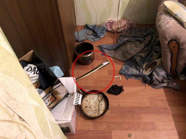 Ахтубинец избил родную бабушку обувным рожком
